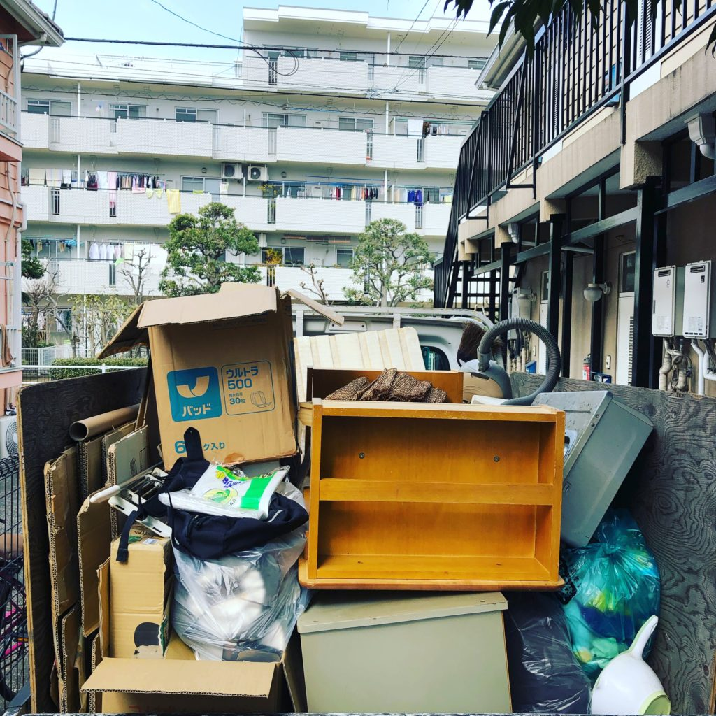 小平市ゴミ屋敷の片付け作業