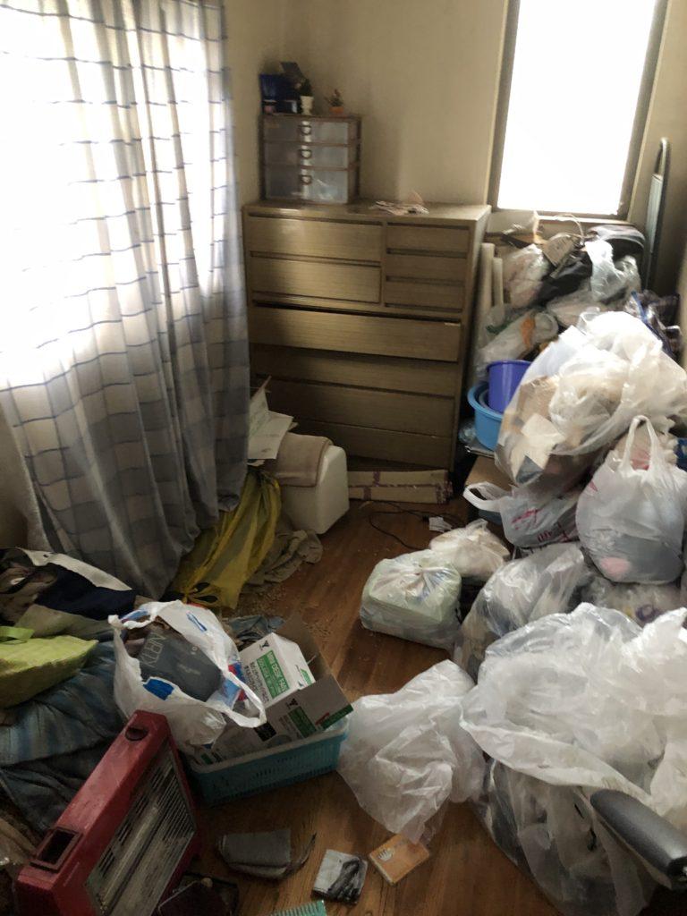 小平市のゴミ屋敷の遺品整理